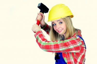 empleos requeridos por latinos en francia,electricista,fontanero pintor,albañìl,soldador,mècanico de mantenimiento,jardinero, ama de llaves,agencias de empleo,salarios en francia.
